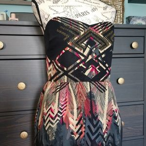 Ecote strapless, abstract dress.